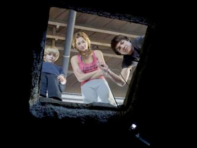 The Hole 3-D