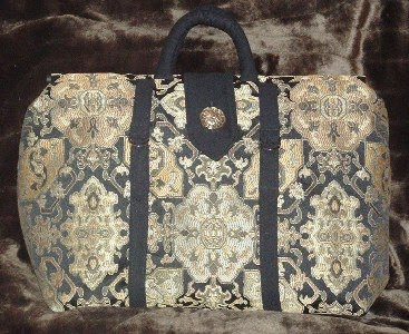 The Carpet Bag - Pursenickety Patterns - Punch with Judy