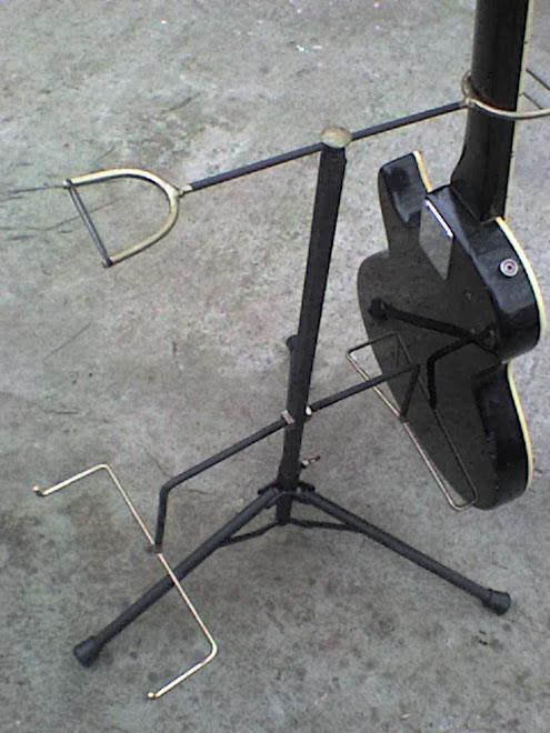 Atriles para guitarra.