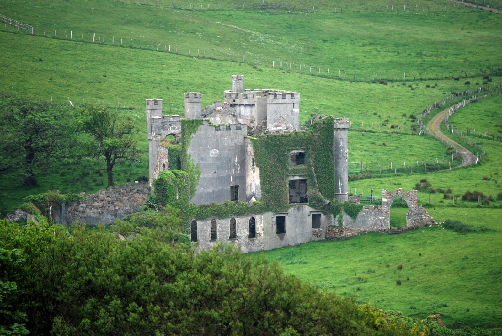 D'Arcy Mansion, Clifden Castle
