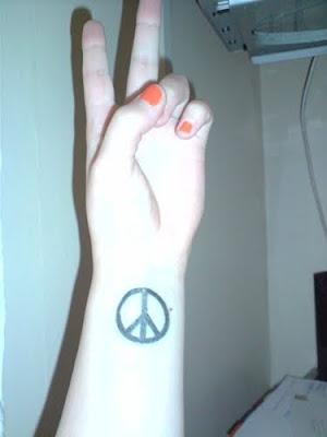 lady gaga hand tattoo