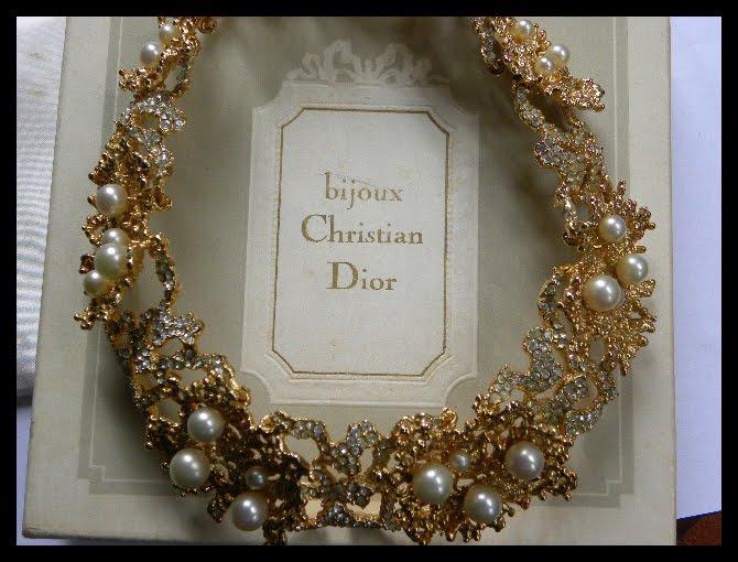 Bijoux Vintage Dior : Queen noor vintage designer accessories