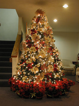 pre lit christmas tree - Prelit Christmas Trees