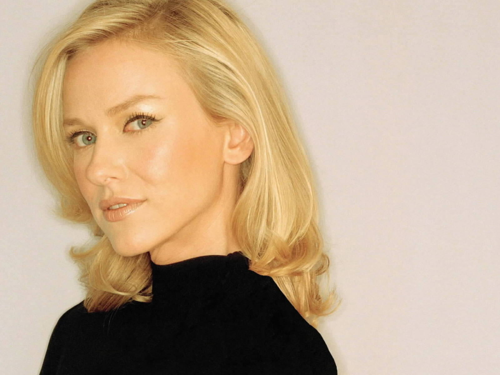 naomi watts gallery