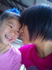 >3< Kiss Kiss