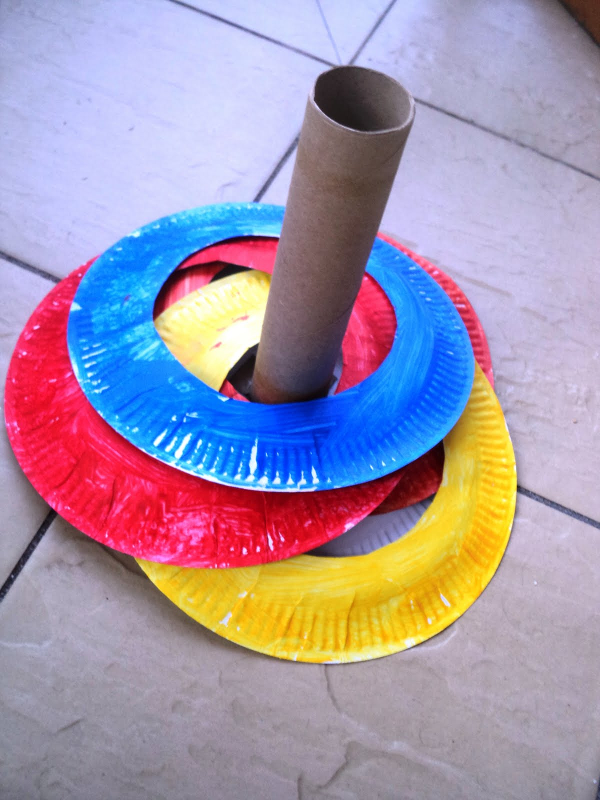 A little learning for two paper plate ring toss game for Easy paper plate crafts