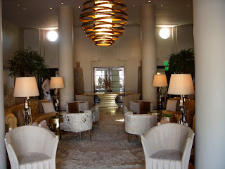 Tides lobby