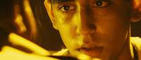 http://4.bp.blogspot.com/_4erDbmLhacs/SzK_UxIUWyI/AAAAAAAAD58/5f7s0aLxKKE/s320/Slumdog.Millionaire.2008.jpg