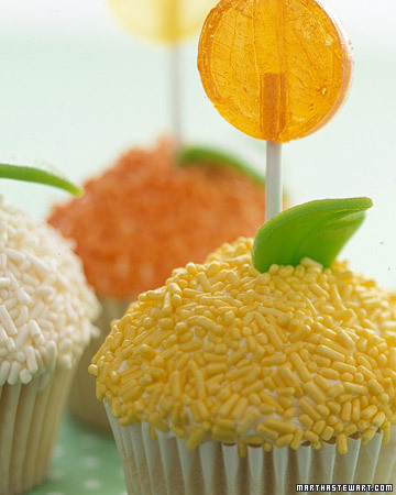 fun easter cupcakes ideas. Lollipop Cupcakes