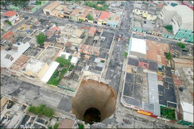 agujero+ciudad2 Se abre un tremendo agujero en Guatemala