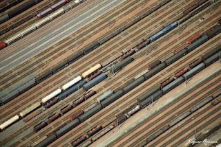 Vue aérienne de la gare de triage de Bordeaux - Trains de marchandise