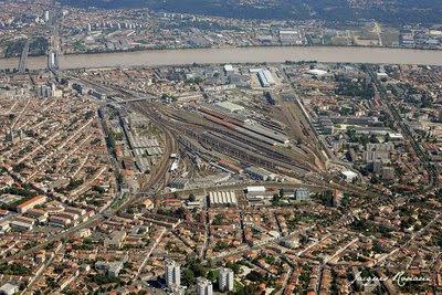 Vue aérienne du quartier Saint Jean - Belcier à Bordeaux