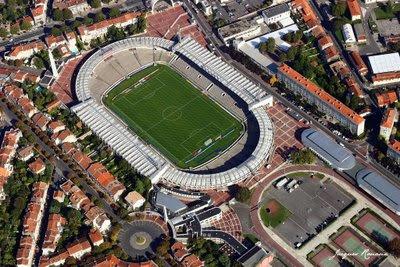 Vue aérienne du stade de football Chaban Delmas (Lescure)à Bordeaux