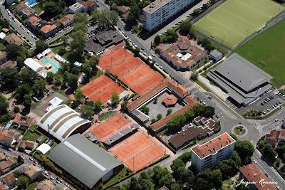 Vue aérienne des installations de Villa Primrose avant le tournoi de tennis chalenger 2009