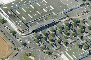 vue aérienne du centre commercial Leclerc de Lagord