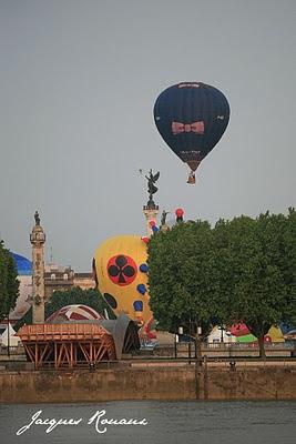 Les mongolfières décollent des Quinconces à Bordeaux