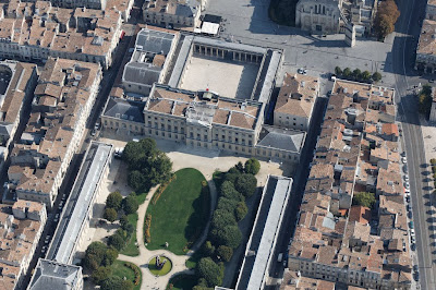 Photo aérienne de la mairie de Bordeaux