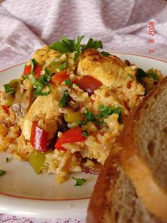 Печено пиле с ориз и зелен лук