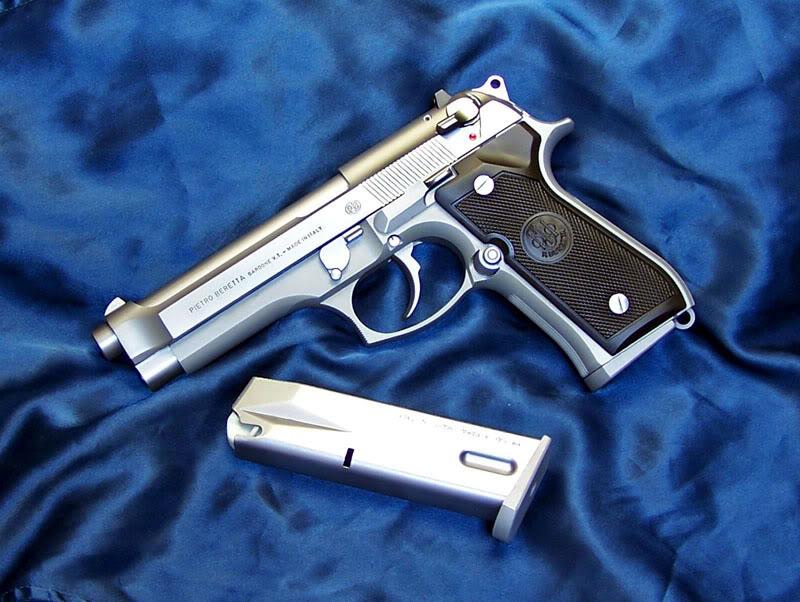 Pistola:Beretta 92