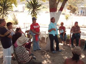 CONVERSACIONES EN CHIRGUA PARA LA CONSECUCION DE UN TERRENO PARA LA ZONA DE ALTO RIESGO