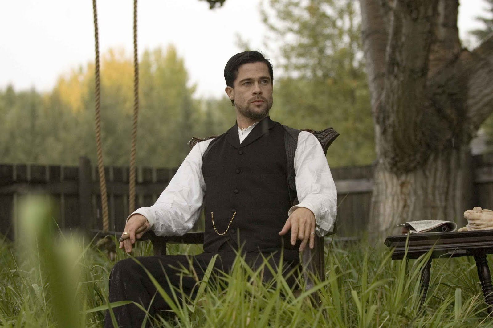http://4.bp.blogspot.com/_4ksGK-UgfSs/TRSxURcYcZI/AAAAAAAAAvw/YhppOxdzRBM/s1600/2007_the_assassination_of_jesse_james_by_the_coward_robert_ford_011.jpg