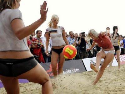 bodypaint soccer, girl bodypaint
