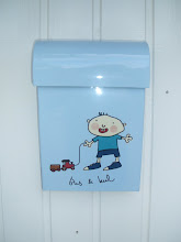 sin egen lille postkasse!