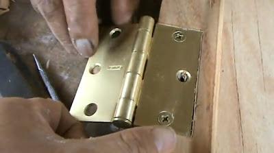 Decoraciones manualidades en madera como colocar una - Bisagras para puertas de madera ...