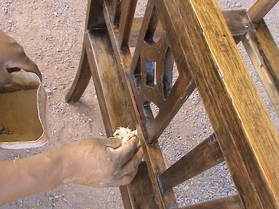 Como reparar un mueble viejo en color nogal muebleriashalom - Como reparar madera ...