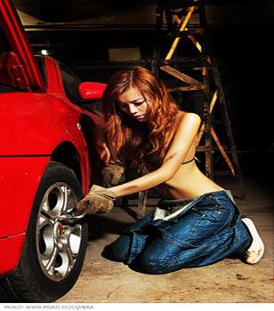 สาวสวย เซ็กซี่ ซ่อมรถ Sexy Car Repair