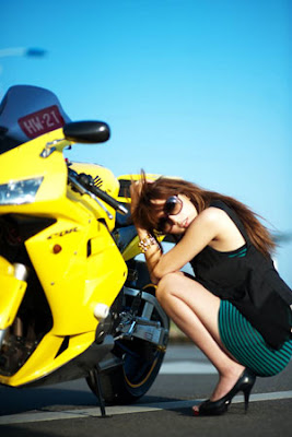 Motorcycle Sexy Girl