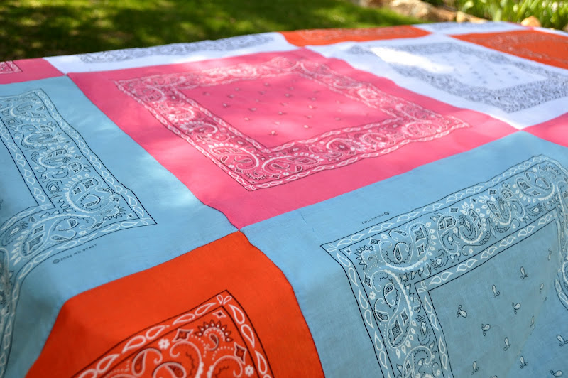 Aesthetic Nest: Sewing: Bandana Quilt Tablecloth (Tutorial) : red bandana quilt - Adamdwight.com