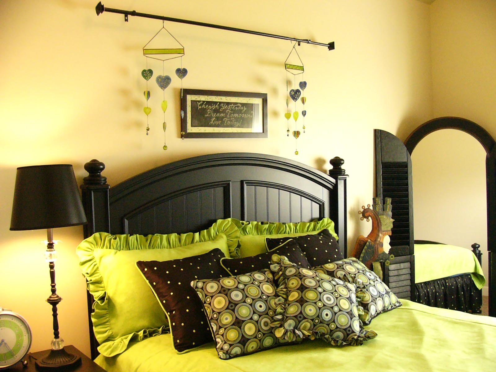 Green Room Decorating Ideas Prepossessing With Green and Yellow Bedroom Ideas Photos
