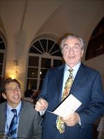 Il prof. Aiello in compagnia di Gualtiero Marchesi