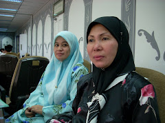 Lina and Hjh Nurhafizah at the Roadshow