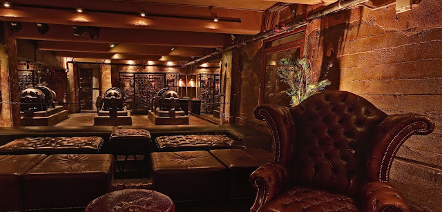 Enzy living steampunk interiors for Steampunk living room ideas