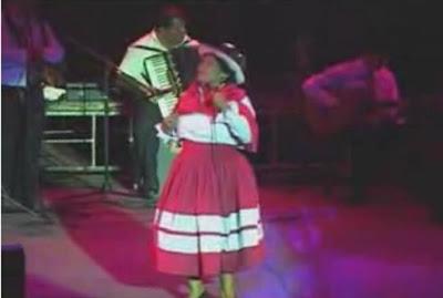 MARTINA PORTOCARRERO. Videos, reseñas, letras de canciones, etc.
