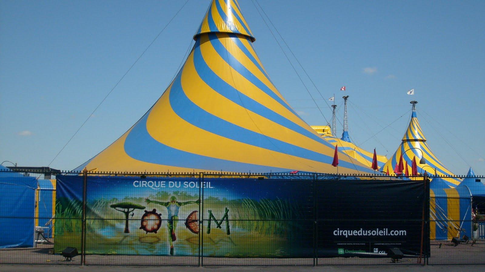Coloriage Chapiteau Cirque - Junior City Le cirque à imprimer et à monter