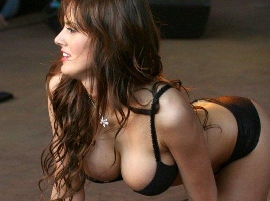 de abril de 1980, es una hermosa actriz, bailarina y modelo chilena