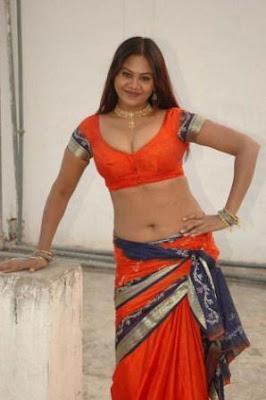 tamil tv serial actress SWAPNA aunty wet exposed saree scenes
