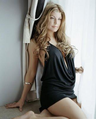 imagenes de fergie en ropa interior - imagenes de ropa | Fergie posa en topless para Calvin Klein (+FOTOS