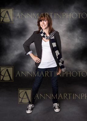 Plano East senior pictures of casually dressed girl