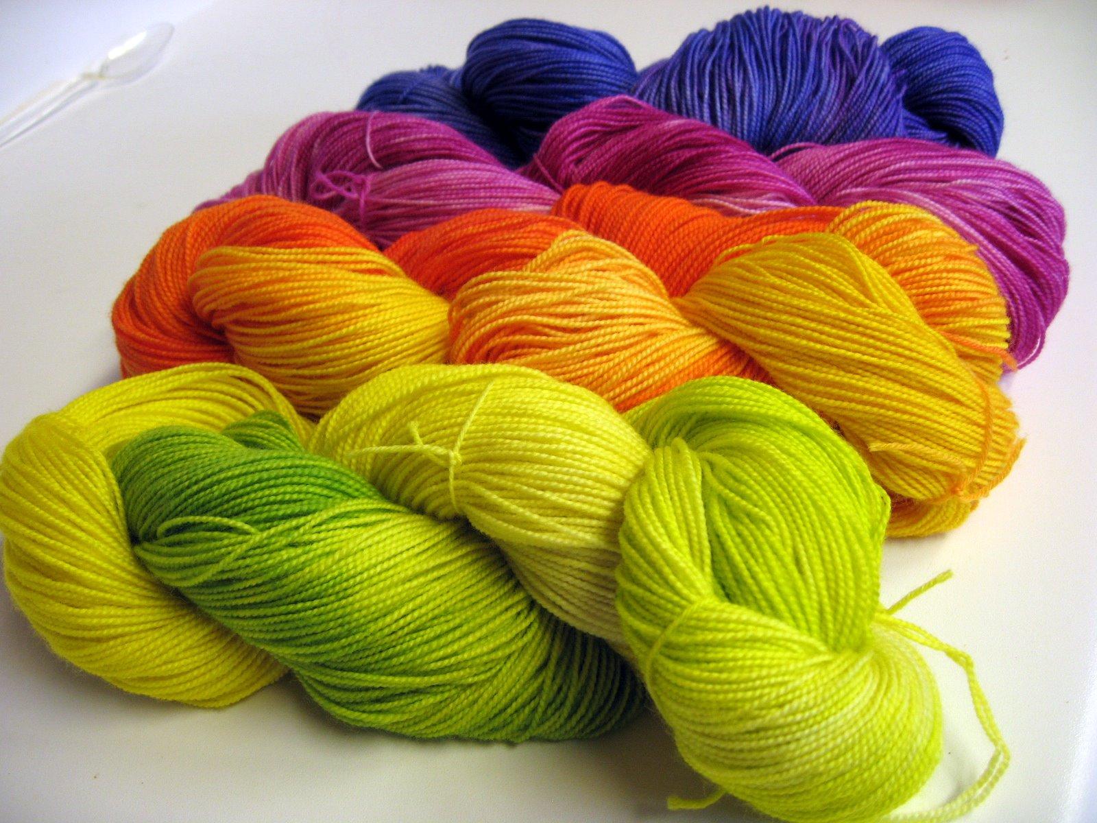 Knitting Fabric Dyeing Process : Fibermania yarn dyeing tutorial number two