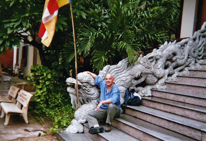 Dragons sur l'escalier du Temple