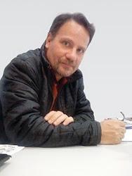Adriano Siqueira - Biografia