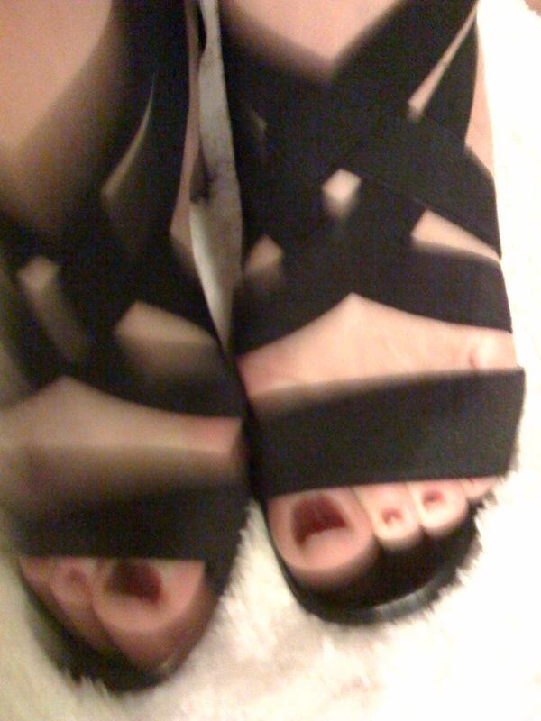 [shoes2.jpg]