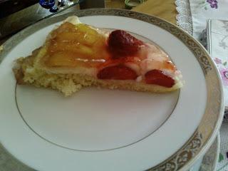 yaz pastası,jöleli pasta,kremşantili kek,resimli yaz pastası,kolay yaz pastası,kolay tarifli yaz kekı