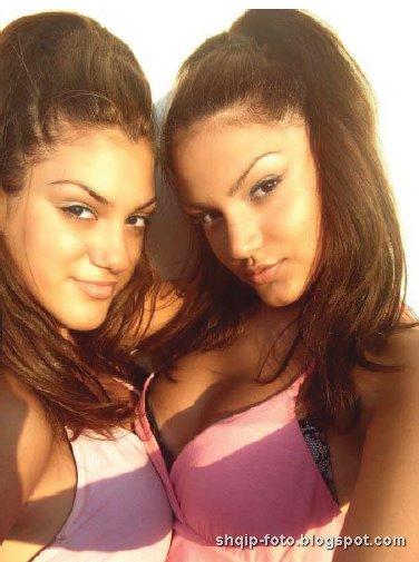 Motrat Almeda Abazi dhe Ilda Photo Miss 2008