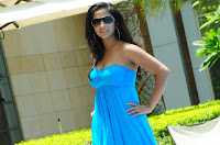 Aasheeka hot photoshot at the swimming pool