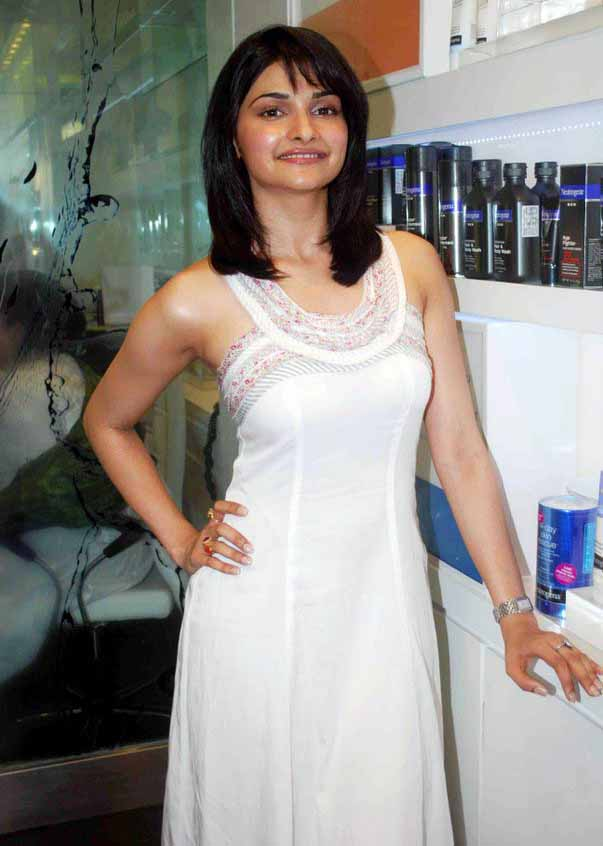 [Actress-Prachi-Desai-Stills-in-white-123bolly-com-20.jpg]